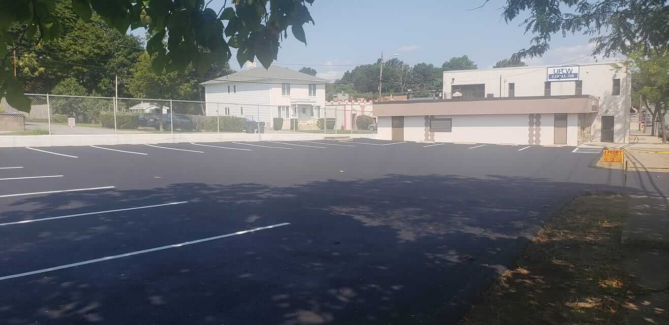 Durable Sealcoating Coating Services for your Parking Lot