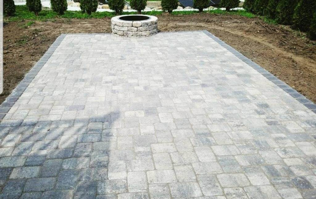 Experienced Sidewalk Contractors in Rhode Island - J Perry Paving