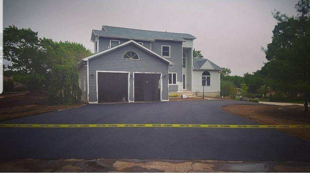 Highly-Rated Professional Asphalt Driveway Contractors
